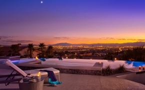 med-res-Vegas-Views-43348_large